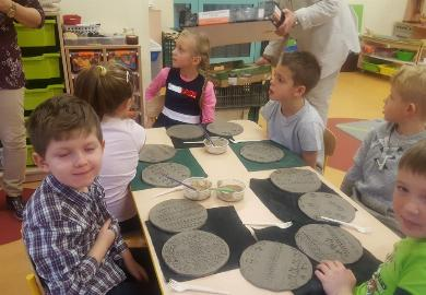 Obrazek galerii Warsztaty ceramiczne Muchomorków