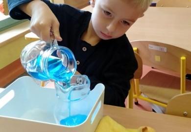 """Obrazek galerii Duszki i """"Świat Montessori"""""""